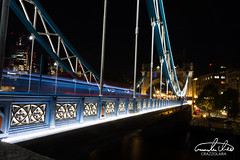 Tower Bridge at night (Theo Crazzolara) Tags: traffic tower bridge towerbridge longexposure cars lights night london uk great britain europe eu beautiful street thames river city architecture old ancient castle scenic travel