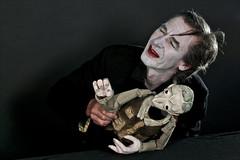 FLICL_6271-ev (clapho) Tags: theater puppenspiel vampir maske schminken theaterpuppe bühne theaterpuppen figurentheater figures puppentheater
