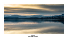 Golden sunset (Ignacio Ferre) Tags: embalsedesantillana santillanareservoir manzanareselreal madrid españa spain embalse reservoir lago lake agua water paisaje landscape sunset puestadesol dorado golden nikon naturaleza nature airelibre reflejo reflection nubes clouds montaña mountain sierradeguadarrama