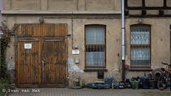 Berliner Straße, Gera (Ivan van Nek) Tags: berlinerstrase gera thüringen derailinator deutschland ddr germany duitsland nikon d7200 nikond7200 allemagne doorsandwindows urban mysteriousplacewithnoname