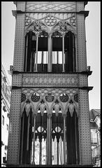 Elevador de Santa Justa, Lisbon, Portugal (LuciaB) Tags: elevadordesantajusta publictransportation lisbon portugal elevator lift wroughtiron artnouveau neogothic