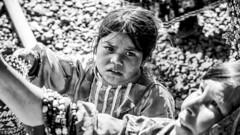 Tarahumara girl selling handicrafts (DROSAN DEM) Tags: tarahumara girl selling handicrafts raramuri mexico barrancas del cobre