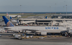 united airlines flight ua 2160 boarding for newark (pbo31) Tags: bayarea california nikon d810 color april 2019 boury pbo31 spring sanfranciscointernational sfo sanbruno sanmateocounty spotters airport aviation plane airline over travel united boeing 777 taxi airfrance