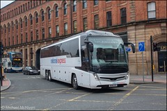 Edwards Coaches BU18OTE (Mike McNiven) Tags: edwardscoaches nationalexpress national express oxfordstreet rochdale manchester haverfordwest caetano caetanolevante levante coach