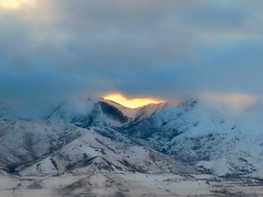 Looks Like Hope (Robert Cowlishaw (Mertonian)) Tags: mertonian robertcowlishaw drivinghome sunset mountains ineffable awe hope waiting canon powershot sx70hs canonpowershotsx70hs light nature wonder beauty beautiful 4sophia clouds evening