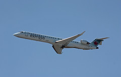 C-GDJZ CRJ-705ER Air Canada Jazz (corkspotter / Paul Daly) Tags: cgdjz bombardier inc cl6002d15 crj705er crj9 15049 l2j c04d98 jza qk jazz air 2005 20050919 kiah iah houston intercontinental