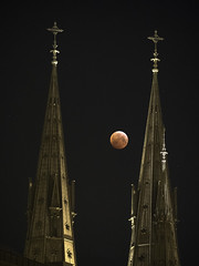 Uppsala-Blood moon 190121 (LoveUppsala) Tags: blood moon church tower cross uppsala sweden night