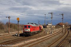 232 908 (Stefan´s Bahnbilder) Tags: db v300 köthen wolken wagen signale lokomotive himmel gleise gebäude