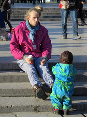 Young dad with child (pivapao's citylife flavors) Tags: paris france trocadero children