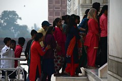 Last Steps (Pedestrian Photographer) Tags: taj mahal line queue steps stairs red women boy lines lined agra india indians dusk sunset evening