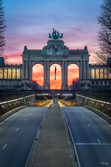Brussels's Sunrise (Fab Boone Photo) Tags: jaune sunrise sun brussels city belgium fabien boone fabienboone photography sky ctones colors beatiful fabboone
