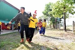 Atelier sportif (infoglobalong) Tags: stage étudiant service bénévolat volontaire international engagement solidaire voyage découverte enseignement éducation école enfants aide alphabétisation scolaire asie thaïlande jeux sport art informatique rénovations