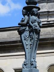 Lampadaire, Hôtel de ville de Cognac (16) (Yvette G.) Tags: lampadaire hôteldeville cognac 16 charente poitoucharentes nouvelleaquitaine