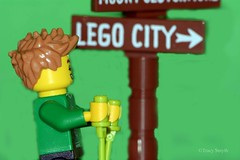 Signs (100/365) (Tas1927) Tags: 365the2019edition 3652019 day100365 10apr19 lego minifigure minifig