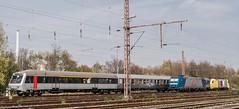 03_2007_04_08_Wanne_Eickel_Üwf_ABELLIO_ES_64_U2_-_045_SIEMENS_DISPOLOK_RB_40_TXLOGISTIK_185_513_WHE_22_ABELLIO_VT_11_003 (ruhrpott.sprinter) Tags: ruhrpott sprinter deutschland germany allmangne nrw ruhrgebiet gelsenkirchen lokomotive locomotives eisenbahn railroad rail zug train reisezug passenger güter cargo freight fret herne wanne eickel wanneeickel üwf siemens wwwdispolokcom abellio abelliorail txl whe es64u2 22 182 185 vt 11003 rb40 stellwerk schaku scharfenberg kupplung steuerwagen outdoor logo natur