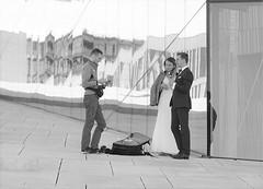 OGGI SPOSI (ADRIANO ART FOR PASSION) Tags: bn bw immaginebn fotografo sposi matrimonio riflessi oslo norvegia adriano adrianoartforpassion nikon nikond90 teatrodelloperaoslo