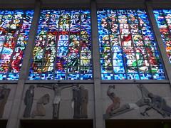 """Blois, Loir-et-Cher: basilique Notre-Dame de la Trinité, 1932-39,  architecte Paul Rouvière. Classée dès 1996 au titre des monuments historiques, elle bénéficie en outre du Label """"Patrimoine du XXe siècle"""" (Marie-Hélène Cingal) Tags: france centrevaldeloire centre loiretcher 41 blois baznīca église kirik iglesia church chiesa bažnyčia kirche kostol eliza vitraux"""