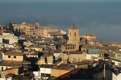Días de niebla (Toledo) (JuanCarlossony) Tags: niebla neblina ciudad toledo campanario sony 70300mm tamron slta58 a58