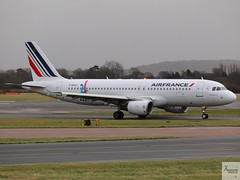 Air France A320-214 F-GXKJ taxiing at MAN/EGCC (AviationEagle32) Tags: manchester man manchesterairport manchesteravp manchesterairportatc manchesterairportt1 manchesterairportt2 manchesterairportt3 manchesterairportviewingpark egcc cheshire ringway ringwayairport unitedkingdom uk airport aircraft airplanes apron aviation aeroplanes avp aviationphotography avgeek aviationlovers aviationgeek aeroplane airplane planespotting planes plane flying flickraviation flight vehicle tarmac airfranceklm airfrance skyteam airbus airbus320 a320 a320200 a322 a320214 fgxkj