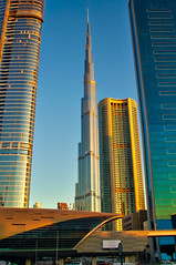 Burj Khalifa, Dubai (Bokeh & Travel) Tags: burjkhalifa skyscraper dubai architecture uae united arab emirates modern tallest skyscrapers beautiful gold goldhour sunset sunsetcolors sunsetlight sheikhzayed sheikh zayed metro station dubaimall perspective pov