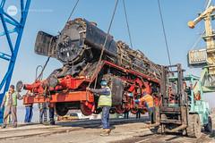 Bring her down (BackOnTrack Studios) Tags: dr 50 3670 36702 dampflok dampflokomotive steam locomotive loco unloading floating crane titan drb railways train lok bulgaria ruse port danube