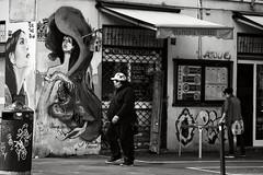sguardo (duegnazio) Tags: italia italy lazio roma rome duegnazio canon40d pigneto streetphotography streetart angolo man uomo persiana people