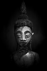 Antique Buddha (fredMin) Tags: black white low key buddha statue monochrome asia art thailand xt2 fujifilm