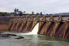 OrovilleDiversionDam_01 (DonBantumPhotography.com) Tags: landscapes dam water waterfall featherriver orovillecalifornia buttecounty northerncalifornia donbantumcom donbantumphotographycom orovillediversiondam