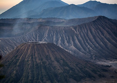 Bromo Volcano (Hans van der Boom) Tags: vacation holiday indonesia java asia sawadee volcano bromo tengger mountain range sunrise clouds id