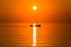 Fishing at sunset (Vagelis Pikoulas) Tags: porto germeno greece europe travel holidays sun sunset autumn march spring 2019 sea seascape landscape view reflection reflections boat canon 6d tamron 70200mm vc