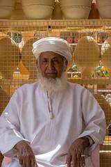 Händler in Nizwa / Oman (jameshjschwarz) Tags: arabien arabischehalbinsel händler leicadgmacroelmarit2845 lumixgh2 mft niwa oman souk aldakhliyahgovernorate addachiliyya om