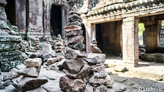Bayon in Siem Reap (Lцdо\/іс) Tags: bayon temple siemreap cambodge cambodia historic archaeological ruines rock kambodscha kampuscha khmer travel trip discover explore voyage asia asian asie asiatique lцdоіс