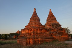 Bagan pagodas at sunset (4) (Prof. Mortel) Tags: myanmar burma bagan buddhist pagoda sunset