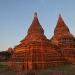 Bagan pagodas at sunset (4) thumbnail