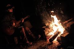 タキビトムジカ (atacamaki) Tags: xt2 23mm f14 xf fujifilm jpeg撮って出し atacamaki 出島の家 home camp 焚き火 music guitar サニーちゃん yairi kyairi r2an nature night 旅人 nao bonfire 焚火人音楽 かすみがうら