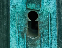 Back entrance (BeMo52) Tags: copper door grünspan holes keyhole kupfer kupferoxid macro makro oxidation pentaconauto50mmf18mc schlüsselloch tür macromondays
