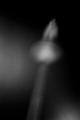 Turm bei Nacht (niam.) Tags: unschärfe blackandwhite schwarzweiss summicron250 leicam42 licht pan f frankfurtammain film frankfurt drive minimal mood night nacht analog abstract blurr
