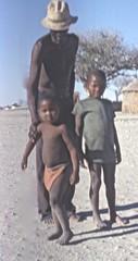 Botswana (Micheline Canal) Tags: afrique australe botswana enfant child okawan case
