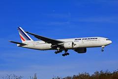 Boeing B777-200 ~ F-GSPN  Air France (Aero.passion DBC-1) Tags: spotting cdg 2013 dbc1 david aeropassion biscove aviation airport roissy aircraft avion plane airlines airliner boeing b777 ~ fgspn air france
