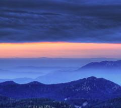 Beyond the horizon (Robyn Hooz) Tags: verena asiago alba sunrise slope distance distanza horizon orizzonte 2000 blue