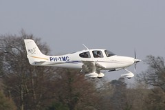 PH-YMC (IndiaEcho) Tags: phymc cirrus sr20 london biggin hill eglb bqh airport airfield light general civil aircraft aeroplane aviation canon eos 1000d kent bromley england