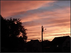 Natural Sunset Photo - Taken by STEVEN CHATEAUNEUF On September 23, 2018 (snc145) Tags: sky clouds sunset trees house streetlight silhouette nature outdoor autumn seasons photo september232018 stevenchateauneuf 2018 flickrunitedaward
