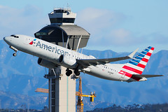 American Airlines Boeing 737-8 MAX N328RR (Mark Harris photography) Tags: spotting lax la canon 5d max 737 aa plane boeing737 aviation