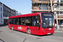 Salisbury Reds 2720 HF64 BPX (johnmorris13) Tags: salisburyreds 2720 hf64bpx alexanderdennis enviro200 bus parkride