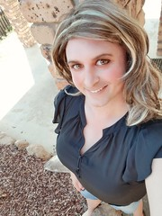 A little outdoor action - and some whack eyeliner on a Friday (-marieerica81) Tags: tranny transvestitie crossdressing crossdresser transsexual tgirl gurl