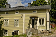 A9889PROVb (preacher43) Tags: porvoo building architecture history sky clouds bed breakfast 1700s