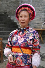 Dali, Bai-woman (blauepics) Tags: china chinese chinesisch yunnan province provinz dali city stadt bai minority minderheit stamm tribe woman frau costume tracht traditional traditionell portrait porträt face gesicht colourful farbenfroh colours farben