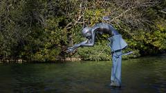La Fée du lac Ophélie (thierrybalint) Tags: water lac lake fée fairy statue parc borely marseille nikon nikoniste balint thierrybalint ophélie oiseau bird