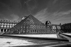 LOUVRE MUSEUM (dale hartrick) Tags: louvremuseumparis louvremuseum louvre museum paris france blackwhite noir