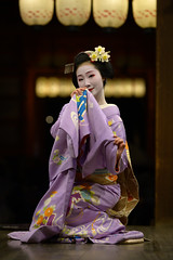 feminine (byzanceblue) Tags: gion miyagawacho maiko geiko geisha girl female woman beauty kimono kanzashi traditional formal 祇園 舞妓 とし恵美 京都 宮川町 black 花街 駒屋 挨拶 kyoto toshiemi white color colour flower nikkor 2019 prefecture bokeh people costume background photo portrait professional lady lovery 芸妓 着物 natural 祇をん ぎをん fresh shadow shirt d850 red beautiful happy planet z7 八坂神社 奉納舞 祇園小唄 gionkouta nikon spring 二十歳 誕生日 成人 三月六日 wagasa 和傘 umbrella